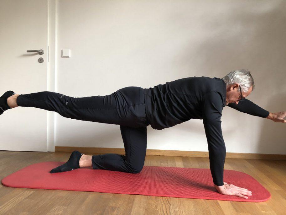 Rückenübungen Krajak Therapie Fitness